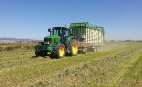 Carro recolector de alfalfa