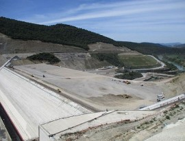 Construcción del embalse de Yesa